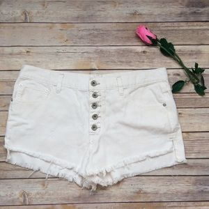 Free People off white button up shorts size 30